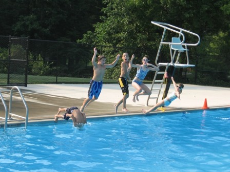 Synchronized diving competitions!