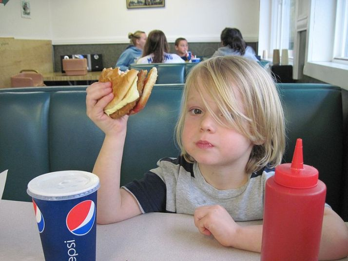 Kids & restaurants: a good combo?
